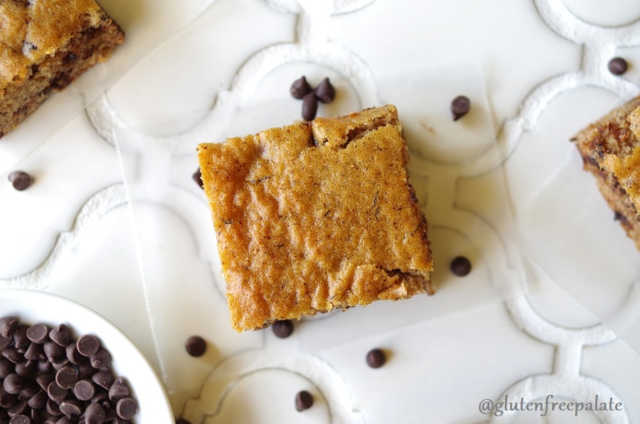 Grain-Free Banana Everything Bars are my go-to recipe when I only have one banana left. They are healthy, easy to make, and taste amazing fresh out of the oven.